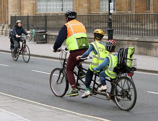 Many safe bike users