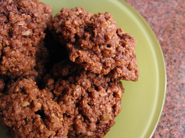 Biscoitos de aveia, chocolate e avelã