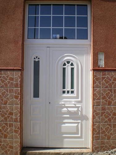 Imgp0757 originalmente cargada por aluminiosalumaru for Puerta entrada vivienda
