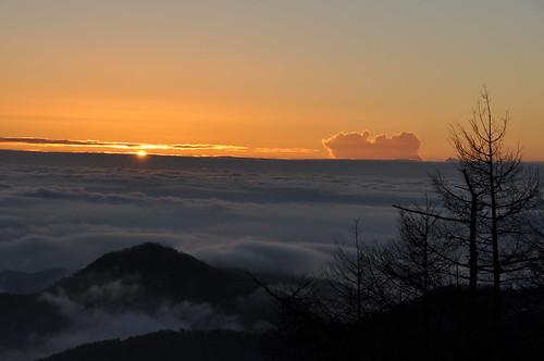 sky cloud mountain nature japan sunrise landscape tokyo climbing 日本 東京 雲 自然 山 空 風景 景色 日の出 登山 d90 朝日 朝焼け 雲取山 mtkumotori afsdxnikkor18200mmf3556gedvrii