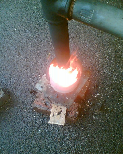 Waste motor oil burner started Burning used motor oil for heat