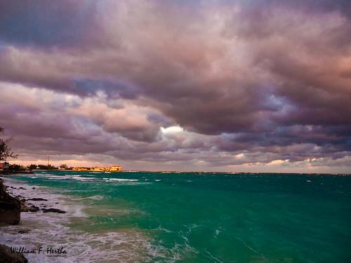 sea sky beach clouds bahamas nassau newprovidence exif:iso_speed=160 exif:make=panasonic panasonicdmcg1 camera:make=panasonic exif:focal_length=14mm lumixgvario1445f3556 camera:model=dmcg1 exif:model=dmcg1 exif:lens=lumixgvario1445f3556 geo:city=nassau exif:aperture=ƒ56 geo:state=newprovidence rawsoncourt geo:countrys=bahamas