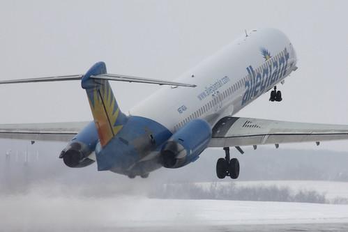 Allegiant MD-80 Snowy Departure