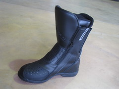 outdoor shoe(0.0), limb(0.0), leg(0.0), human body(0.0), footwear(1.0), shoe(1.0), leather(1.0), motorcycle boot(1.0), boot(1.0),