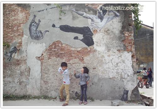 13905698153 4e01c655e7 jalan jalan di penang 2014 | lukisan dinding di penang (Penang Street Art)