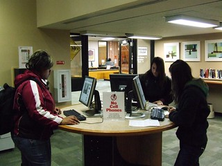 Computer station, first floor lobby, UW Madison Memorial Library
