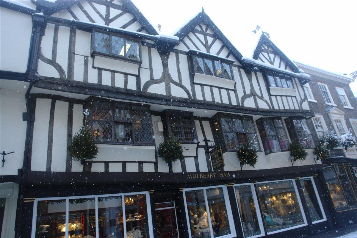 Mulberry Hall, histórica tienda de ropa. York, magia e historia tras la nieve - 5272921133 807b29b1c6 o - York, magia e historia tras la nieve