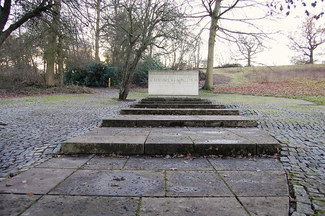 John F Kennedy memorial, Runnymede (2)