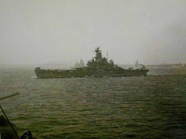THE PACIFIC WAR: A SOUTH DAKOTA Class battleship passes HMAS SHROPSHIRE - Collection of Alan Meade, RAN 1943-1946.