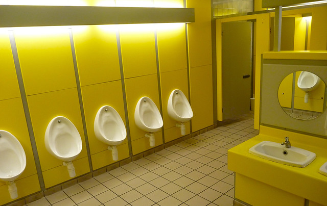 B-vitamin urinal
