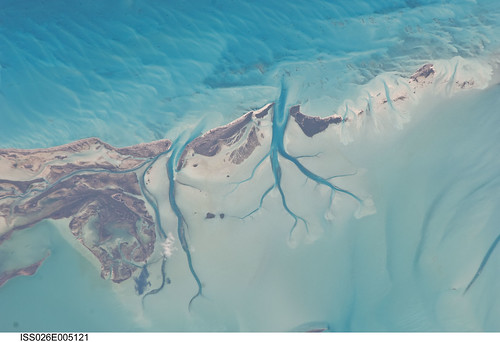 Long Island, Bahamas (NASA, International Space Station, 11/27/10)