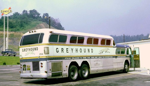 Greyhound 1254 GMC PD-4501 Super Scenicruiser at a rest stop in Eastern Pennsylvania