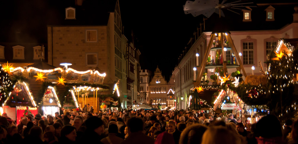 "Trier, Germany Christmas Market | The ""crowd"", this was one … 