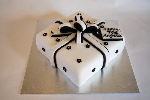Birthday Cake Images For Special Person : Black and White Present Cake   Beautiful Birthday Cakes