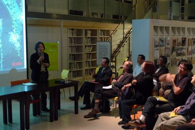 2010-1204 建築改革社99年度社員大會 曾光宗老師拍攝 11.jpg