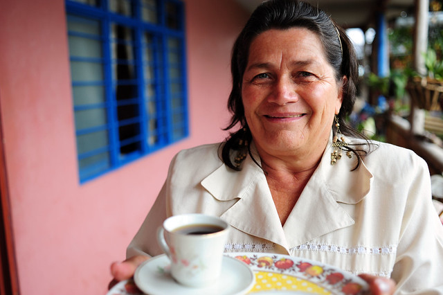 Coffe in Cauca by http://www.flickr.com/photos/ciat/