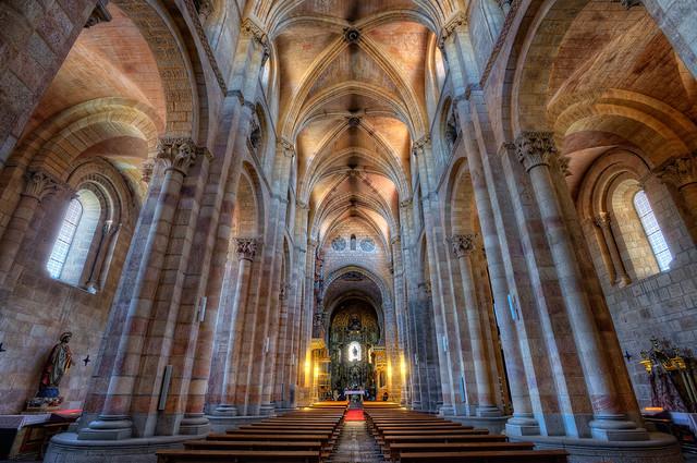 Interior St. Vincent's Basilica – Basílica de San Vicente, Ávila, HDR 2