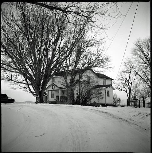 winter bw white snow black tlr midwest yashica ilfordfp4 yashicaa epsonv500 ilfosol3