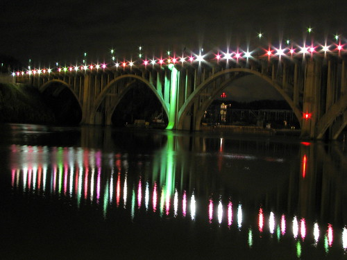 Henley St. Bridge at night