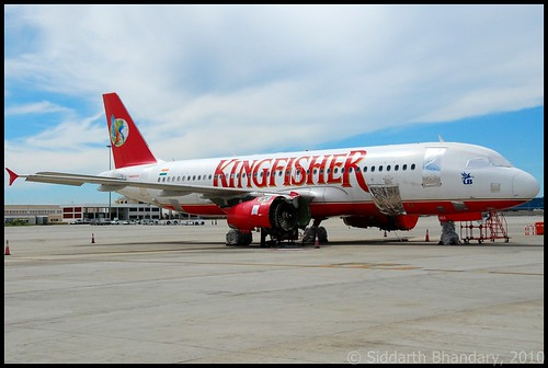 Kingfisher Airbus A320 (VT-DKS)