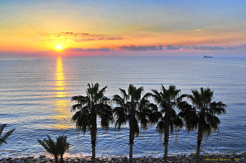morning light sunshine sunrise happy coast cyprus newyear wishes colourful 1111 11111 larnaka nikond300 larnakacyprus dedicationfromcyprus cyprusseascape varnavasthearchitect larnakabay