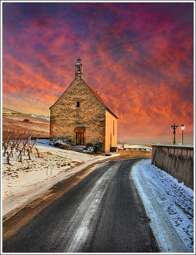 street pink winter sky snow france church photoshop painting way landscape religion sainteanne chapel colmar alsace neige ruelle paysage rue chapelle anotherworld abbaye wintry mattepainting abbay priaux sigolsheim