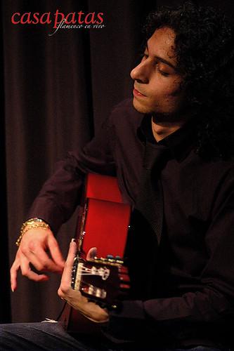 Joni Jiménez a la guitarra. Foto: Martín Guerrero