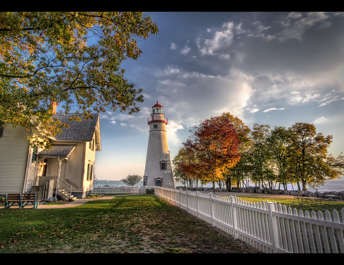 ohio lighthouse canon marblehead lakeview hdr criswell promote photomatix sanduskybay canon1022efs highdynamicrangephotography canon7d 11exposures topazadjust promoteremotecontrol theaterwizphotography michaelcriswell