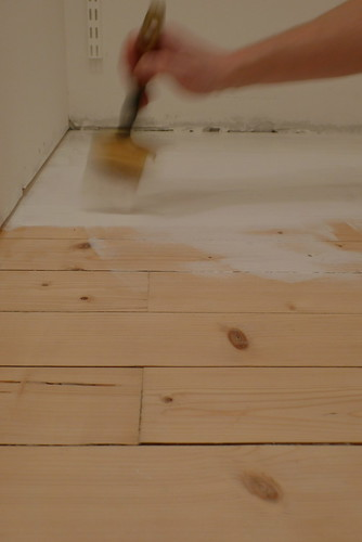 5215874038 e832cbbc17 DIY: Creative Wooden Floors