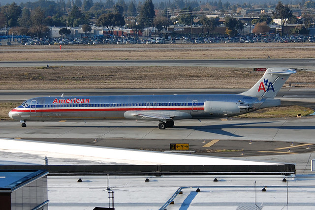 American Airlines S80 Jet http://www.flickr.com/photos/richsnyder/5223000606/