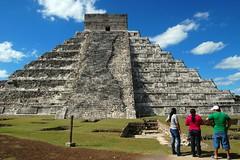 El Castillo (Chichen-Itza, Mexico)