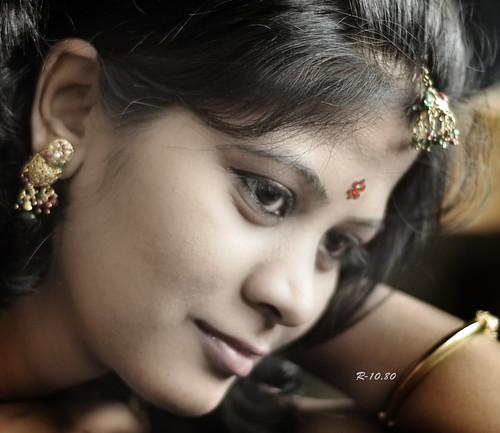 Bindi - Essence of Indian Woman (2)