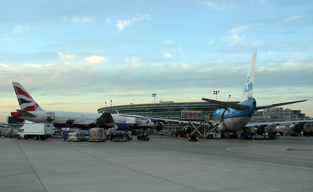 KLM 747 and a BA 777