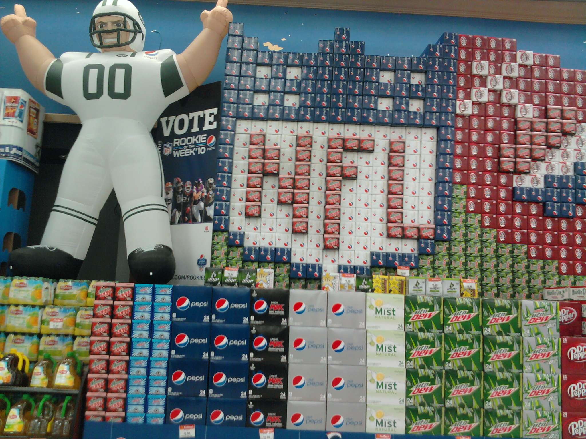 I thought this @pepsi @nfl display was pretty cool.  Flickr  Photo Sharing!