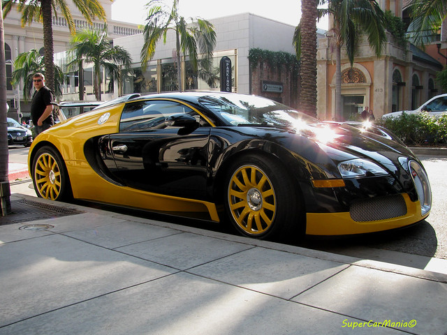 black and yellow bugatti veyron flickr photo sharing. Black Bedroom Furniture Sets. Home Design Ideas