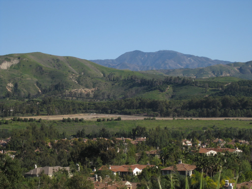 Saddleback from Tustin Hills: January 2011