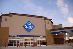 Sam's Club exterior image
