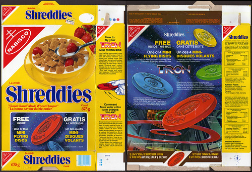 Canada - Nabisco - Shreddies - Tron mini flying discs frisbees - cereal box - 1982