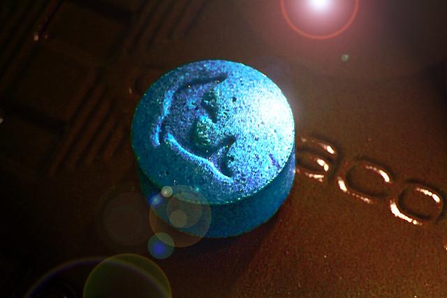 Extasy pill (blue dolphin) (2010)