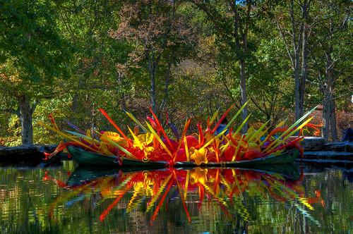 sculpture reflection chihuly glass garden botanical boat nikon tn nashville dale tennessee nikkor hdr lightroom cheekwood photomatix f3556 18105mm dishippy