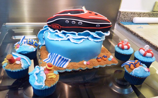 Speed Boat Cake http://www.flickr.com/photos/littlemissoc/5642537732/