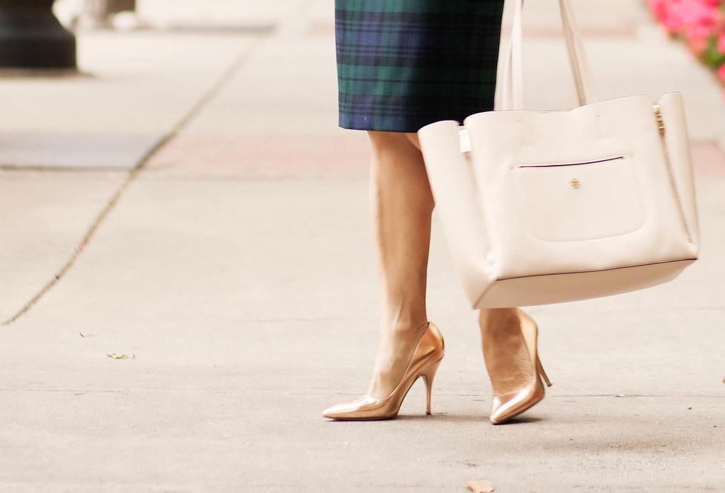 cute & little blog | petite fashion | plaid pencil skirt, kate spade metallic rose gold licorice pumps
