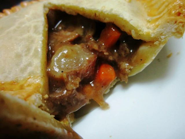 Dave's Deli, Miri - steak & mushroom pie 2