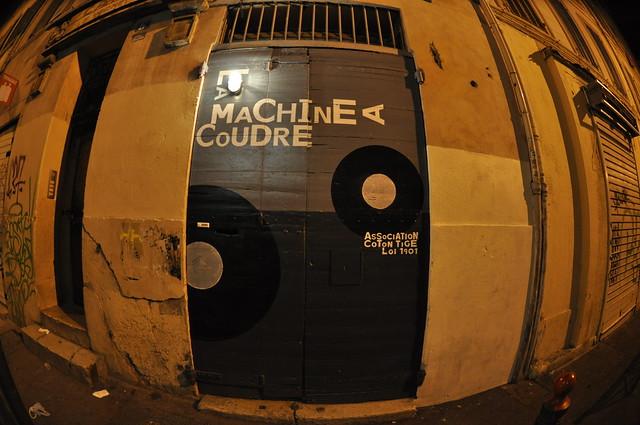 La Machine à Coudre by Pirlouiiiit 11122010
