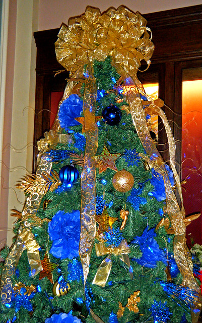 Blue and gold christmas tree flickr photo sharing for Blue gold and white christmas tree