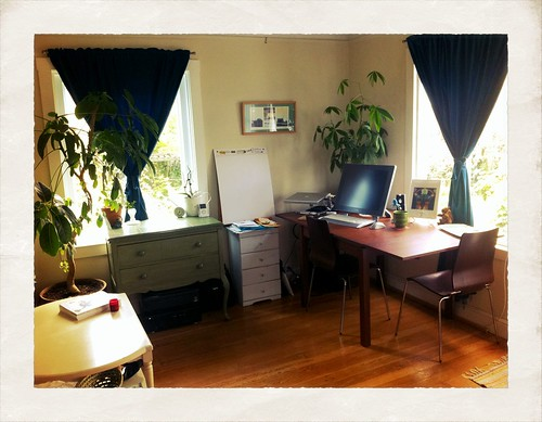 Small spaces art studio home remedies for Small room karen zoid