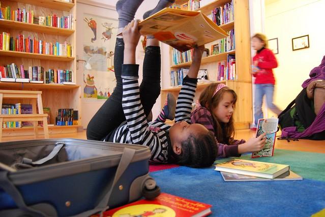Berliner Büchertisch - Lesekoffer im Lesekeller 3.JPG