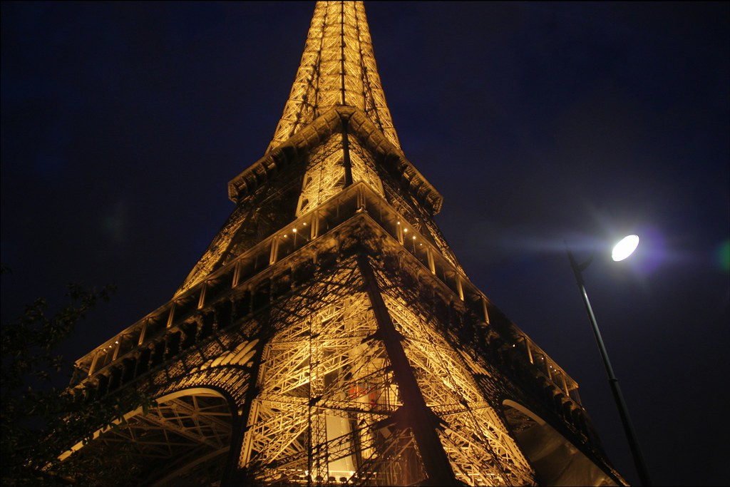 A beautiful and artful photo of the Eifel Tower