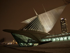 New Calatrava-designed wing of the Milwaukee Art Center
