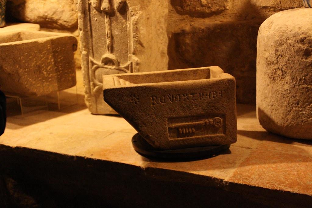 Interior sinagoga del agua